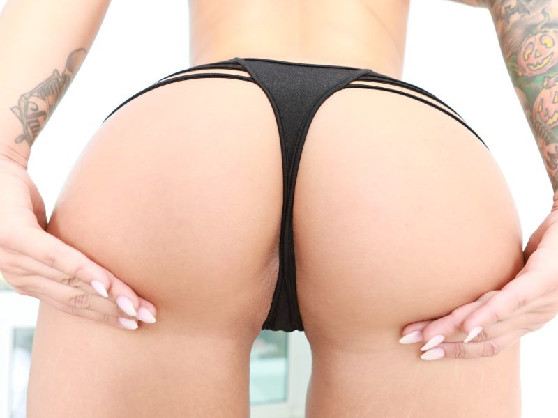 Ivy Lebelle's amazing booty before DP
