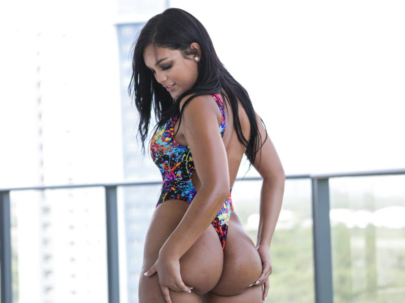 Phat ass Latina Alina Belle ready for cock