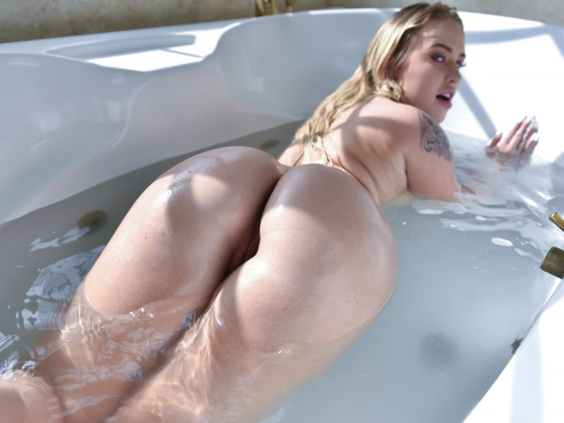 Layla Love in bathtub waiting for cock at Teen Curves
