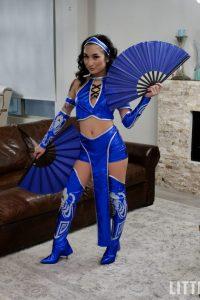 Avery as Kitana
